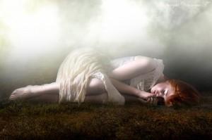 dress,white,woman,fog,alone,lonely-0bc72bf82fd77658e799a5051189919e_h_large