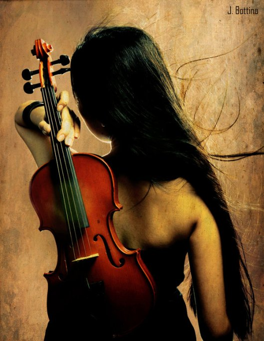 The_Woman_and_The_Violin_by_liowmolko