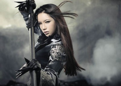 woman with sword cosplay