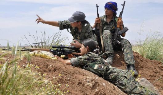 kurdish-female-fighters