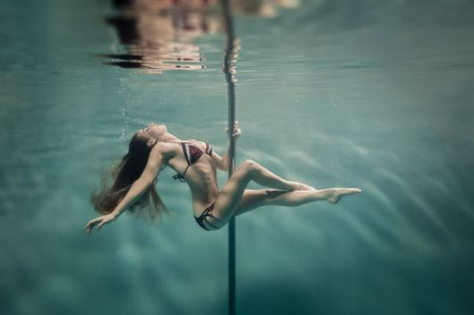 incredible-underwater-pole-dancing-photographs-by-brett-stanley-1