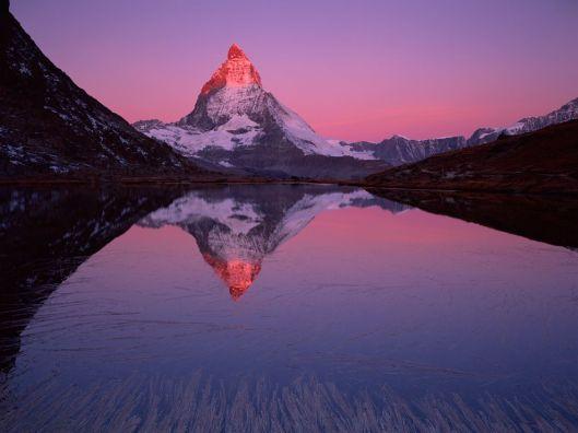 matterhorn-lake-zermatt_33990_990x742